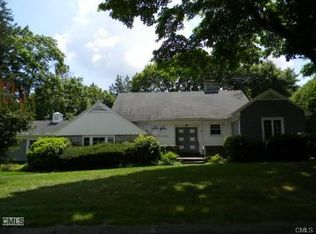 7 Colony Ave , Trumbull CT