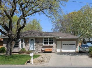 404 18th St W , Hastings MN