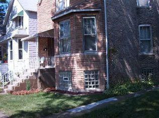 2909 N Fairfield Ave , Chicago IL
