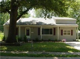 1121 E Cedar St , Olathe KS