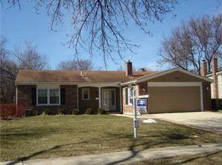 384 Cottonwood Ln , Naperville IL