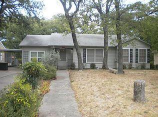 1202 Churchill Rd , River Oaks TX