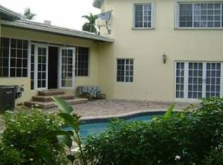 1020 NE 104th St , Miami Shores FL