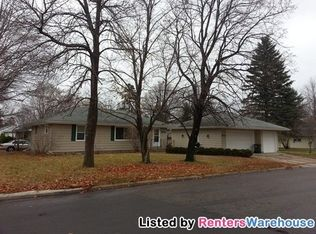 410 Norway Dr E , Annandale MN