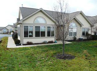 232 Villa Pointe Dr , Springboro OH