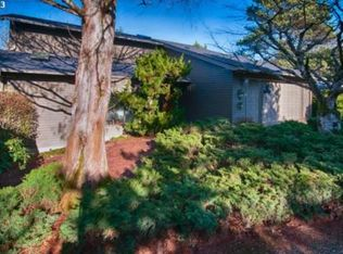 520 SW Colony Dr , Portland OR