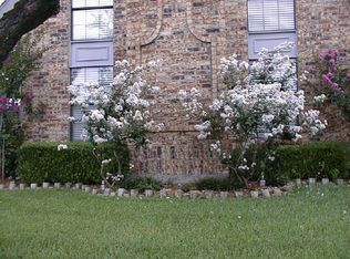 100 Eagle Nest , Irving TX