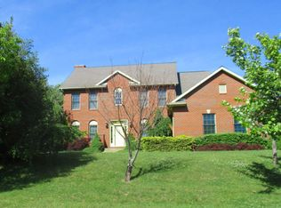 352 Carroll Rd, Athens, OH 45701