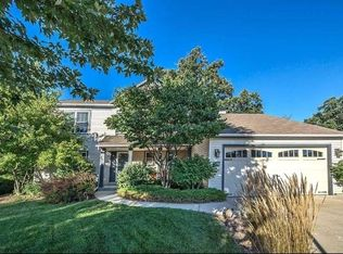 1000 Fieldridge Ct, Waukesha, WI 53188