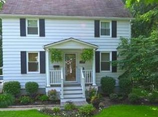 36 Thames Ave , Bedford OH