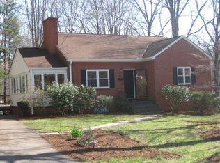 1608 Cambridge Cir , Charlottesville VA