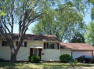 422 Waverly Ave , Streamwood IL