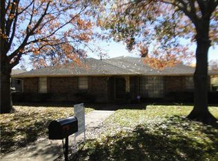 1044 Oak Meadow Ln , Desoto TX