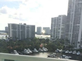 19400 Turnberry Way Apt 931, Miami FL