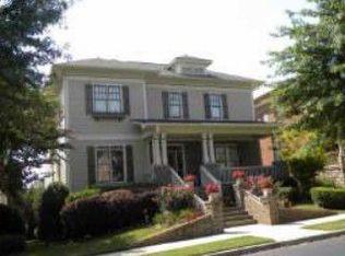 909 Manor Parc Dr , Decatur GA