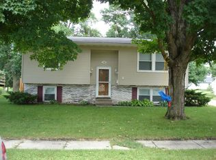 126 8th St NW , Dyersville IA