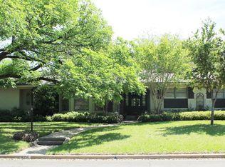 4916 Meadow Wood Dr , Waco TX