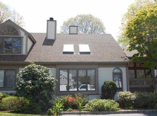 39 Blossom Ave Apt 4, Osterville MA