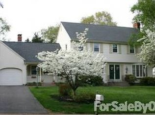 63 Old Common Rd , Wethersfield CT
