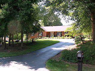 704 Tuscarora Dr , Danville VA