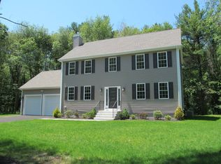 10 OVERLOOK DR , MEDWAY MA