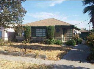 1051 W 10th St , San Bernardino CA
