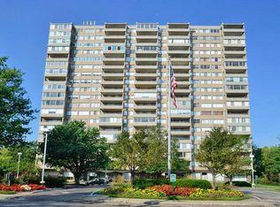 2324 Madison Rd Apt 802, Cincinnati OH