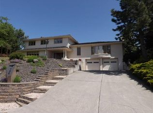 736 Indian Hills Dr , Moscow ID