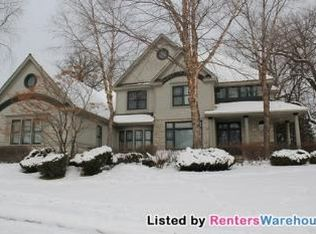 6982 Kenmare Dr , Bloomington MN