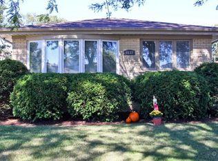 6132 Elm St , Morton Grove IL