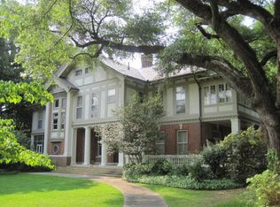 1402 Chambers St, Vicksburg, MS 39180