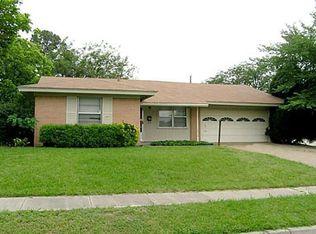 402 Darlene Ln , Arlington TX