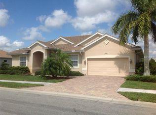671 Lakescene Dr , Venice FL