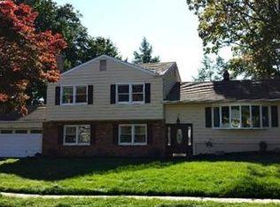 458 Hobart Rd , North Brunswick NJ