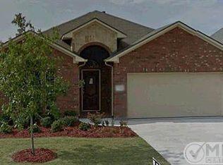 1739 Secretariat Ln , Irving TX