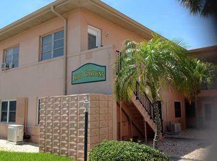 121 46th Ave Apt 2B, St Pete Beach FL