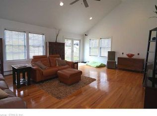 85 Candlewood Rd , Groton CT