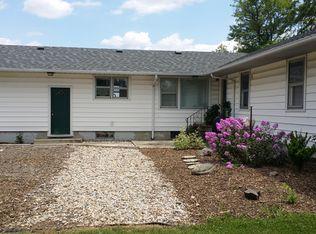 5219 N Sampson Rd , Woodburn IN