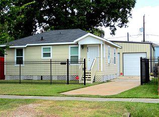 835 W 20th St , Houston TX