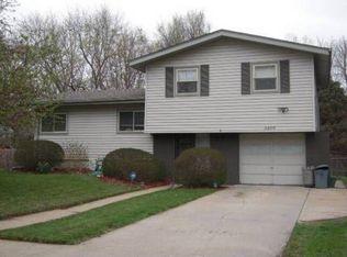 3205 Cottonwood Ln , Omaha NE
