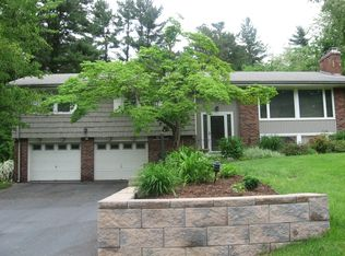 155 Valley View Dr , South Windsor CT