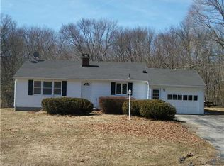 16 Maple Rd , Quaker Hill CT