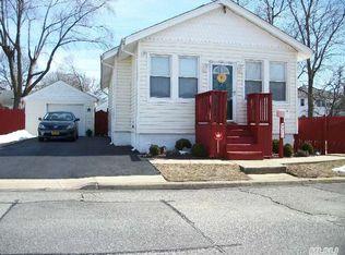 110 S 2nd St , Bethpage NY