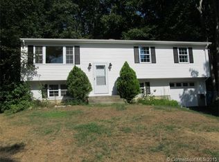 14 Parkwood Dr , Gales Ferry CT