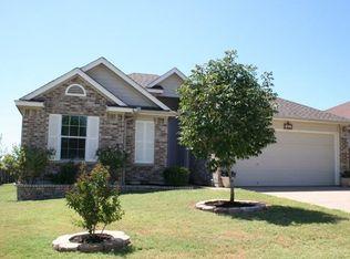 402 Estate Dr , Hutto TX