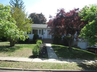 6 Peggy Rd , East Brunswick NJ
