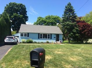 5 Sunset Dr , Waterford CT