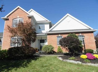 3 Andover Dr , Loudonville NY