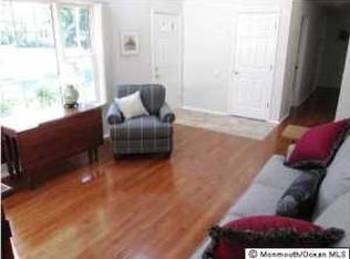 42 Mapletree Rd , Toms River NJ