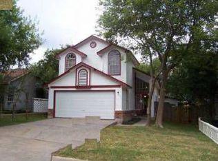 1400 E Logan St , Round Rock TX